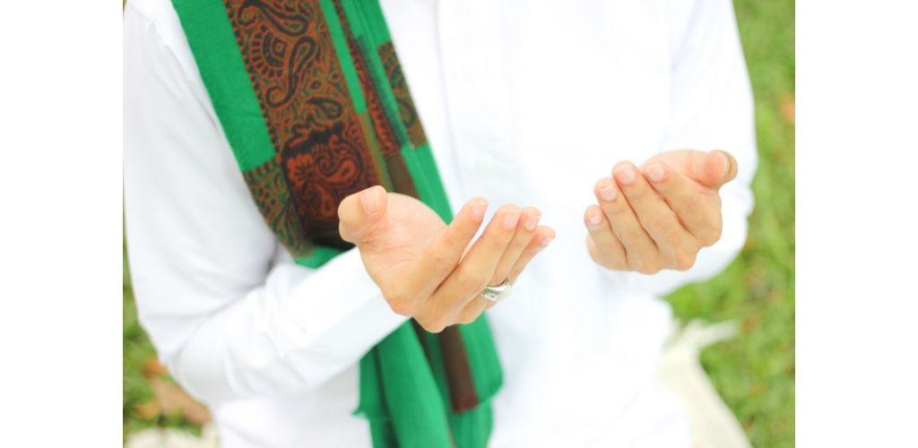Doakan ibu bapa bukan Islam