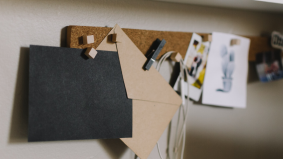 DIY- 5 peralatan mudah untuk hiasi bilik pejabat