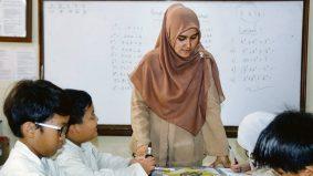 Kalau kurang ajar dengan guru, hidup tak akan berjaya tanpa doa mereka