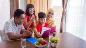 Dengan anak sendiri, ibu bapa tetap kena jaga aurat depan mereka…
