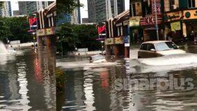 [VIDEO]'Jangan pandang hina kereta KELISA ok! Chaiyokkk!' – Tular Perodua Kelisa redah banjir