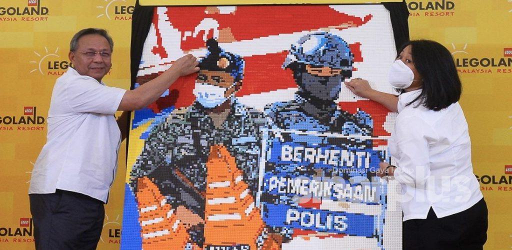 Wow, mural wajah frontliner guna 15,000 bongkah lego