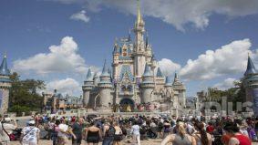 28,000 pekerja Disney bakal diberhentikan, tanggung rugi puluhan juta