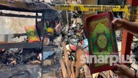 [VIDEO] Al-Quran tak terbakar walau rumah hangus dijilat api, Allahu!