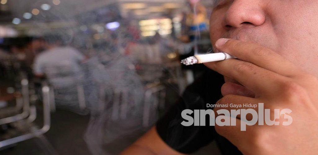 AWAS! Perokok yang dijangkiti Covid-19, berisiko tinggi untuk mendapat komplikasi serius.