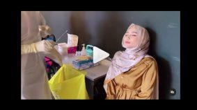 """[VIDEO]""""Alhamdulillah tak sakit pun… umpama korek hidung je""""- Wawa kongsi buat swab test Covid-19"""
