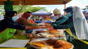 PKPB : Raja sehari lengkap berbaju pengantin buat majlis kenduri kahwin di pasar tani