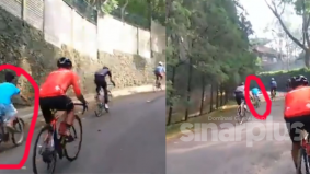 [VIDEO] Gaya dah ala-ala pelumba, tapi tewas mudah juga dengan tenaga budak ketika mendaki