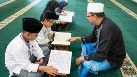 Ini hukum mengambil upah mengajar al-Quran… Ramai yang masih keliru