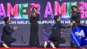 Kamal Adli lamar Uqasha Senrose 'live' di AME2020