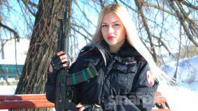 Ratu Cantik Pengawal Rusia dipecat kerana dicemburui rakan seunit