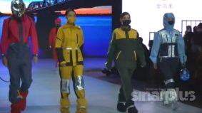 Pertunjukan fesyen tema pandemik di China, model sarung PPE jadi perhatian