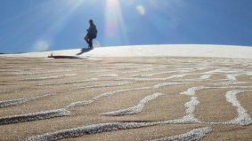 Foto fenomena Gurun Sahara diliputi salji, suhu -3 darjah celsius