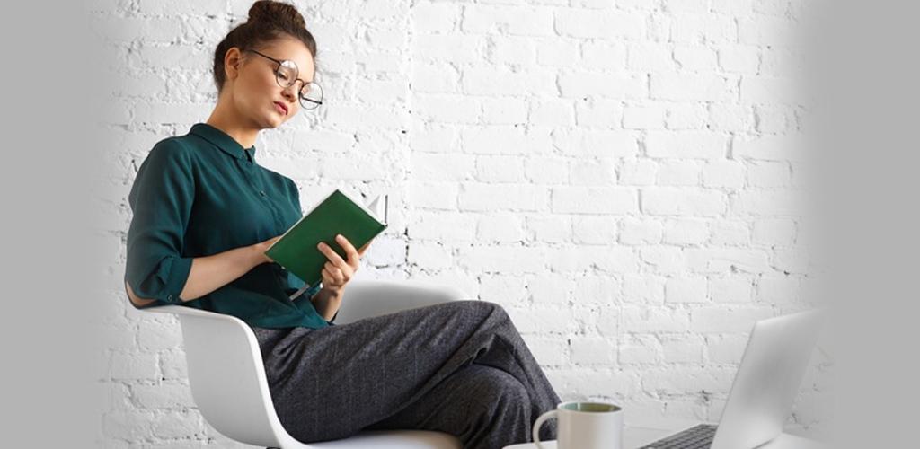 Bukan sahaja duduk, postur badan ketika berdiri dan tidur penting untuk tulang