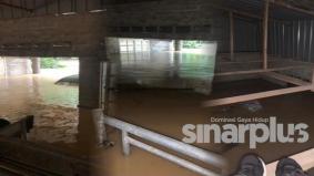 Mangsa banjir duduk 10 jam atas bumbung, tunggu diselamatkan