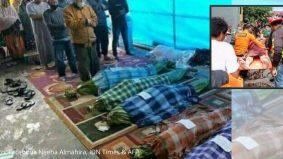 Tular mayat mangsa gempa di Sulawesi Barat dibalut dengan daun pisang. Beberapa pihak tampil buka suara