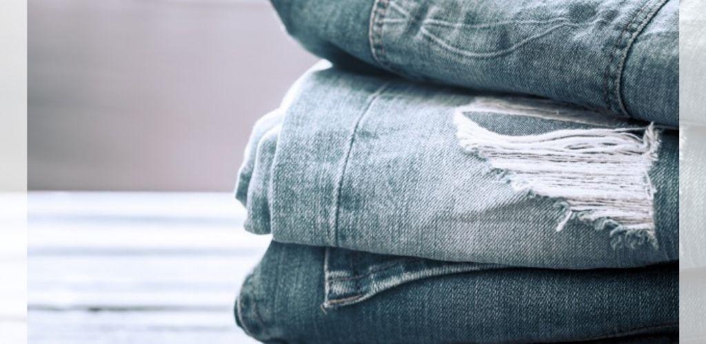 Wanita pakai seluar jean