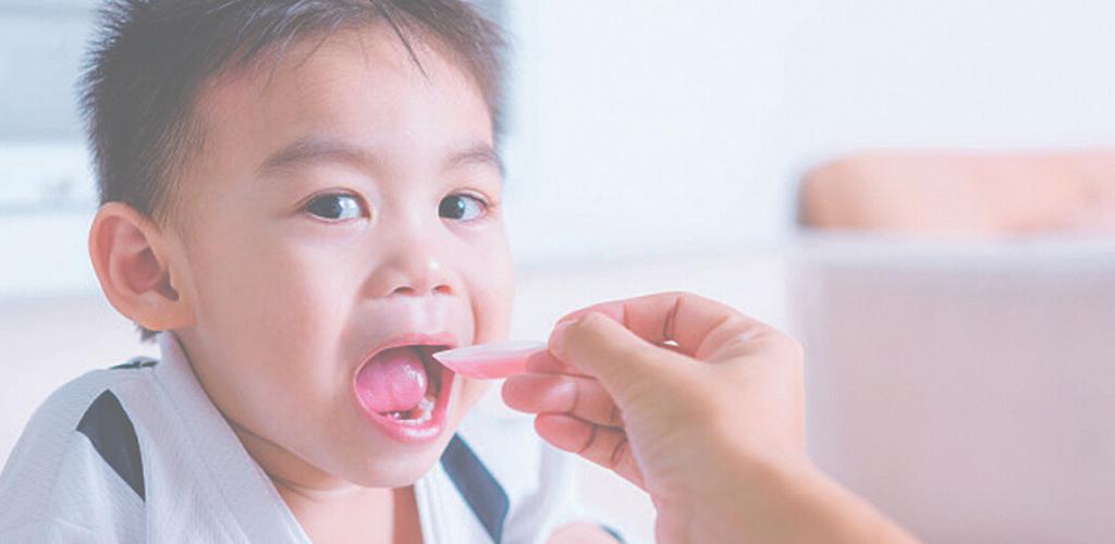 Jika susah beri anak makan ubat, ibu bapa boleh guna 8 strategi ini