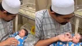 [VIDEO]Persediaan untuk bapa muda, Ustaz Don tunjuk cara tahnik bayi