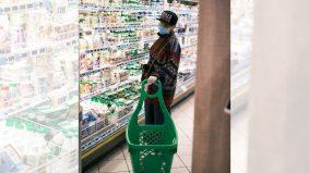 [VIDEO] Status minum minuman halal yang diletak dalam peti sejuk sama tempatkan arak. Ini penjelasannya…