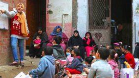 Di sebalik Covid-19: Budak perempuan 12 tahun buka kelas di jalanan kerana sekolah ditutup