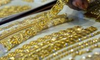 Harga merudum, masa sesuai pencintanya serbu kedai emas