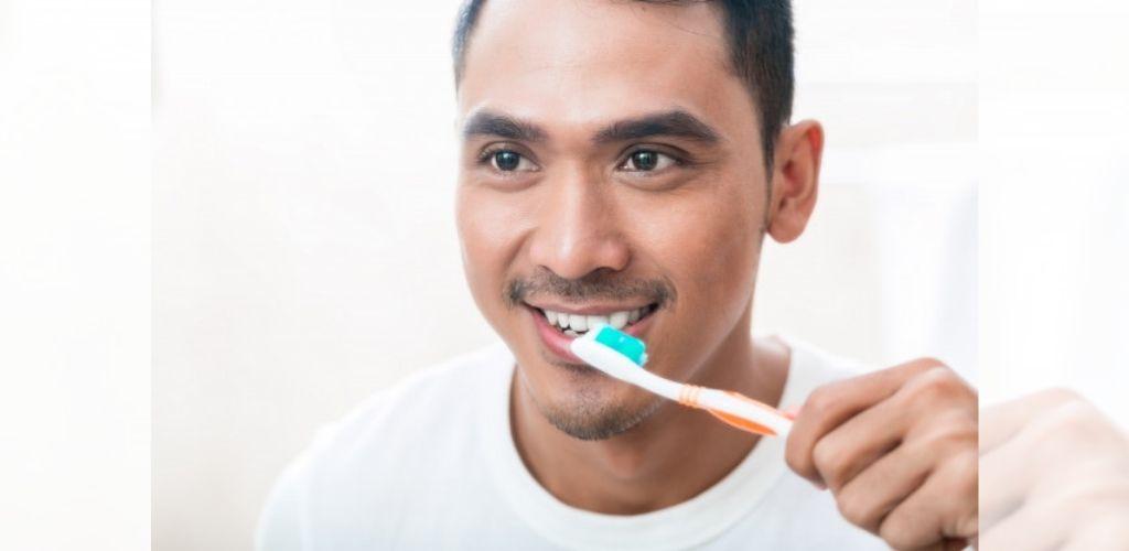Gosok gigi selepas waktu fajar