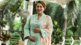 Kembali hamil di usia 40 tahun,Elly Mazlein tekad bantu pasangan lain