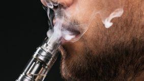 Ibarat bom jangka. Perokok dan penghisap vape berisiko tinggi dijangkiti Covid-19