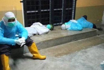 Petugas kesihatan Kota Bharu terjelepuk kepenatan, warganet titip doa