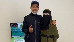 Isteri Ustaz Abdul Somad tampil berniqab, seminggu selepas bernikah. Sejuk mata memandang