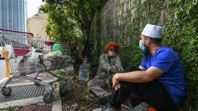 14 tahun tidur bawah pokok, kerja kutip besi. Ustaz Ebit hadiahkan Aunty Maaletchmy rumah
