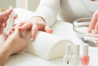 Buat 'manicure' di rumah pun boleh, mudah dan menjimatkan