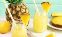 Jus nanas mudah disediakan, penuh khasiat. Sedap dan segar!