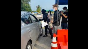 [VIDEO]Usahawan agih produk di SJR, netizen bidas ganggu tugas polis