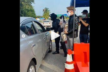 Usahawan agih produk di SJR, netizen bidas ganggu tugas polis