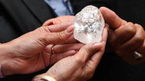 Berlian ketiga terbesar dunia, pamer di Bostwana. Ini 10 batu permata termahal, rare pernah dijumpai
