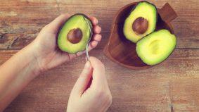 Kaya khasiat, baik untuk jantung. 4 tip pilih avokado, elak beli yang terlalu ranum dan rosak
