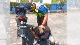 Padah ekzos bingit, polis 'ajar' penunggang motosikal