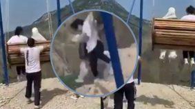 [VIDEO] Teruja lihat pemandangan ketika menaiki buaian, dua wanita tercampak di gaung selepas rantai tercabut