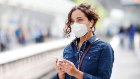 Berupaya tapis ~95 peratus zarah bawaan udara, 3M perkenal respirator KN95 pakai buang