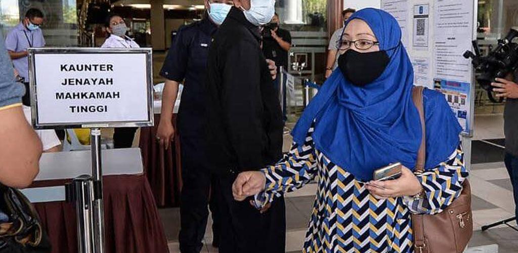 Padah hina Agong, suri rumah didenda RM9,000. Hati-hati guna media sosial