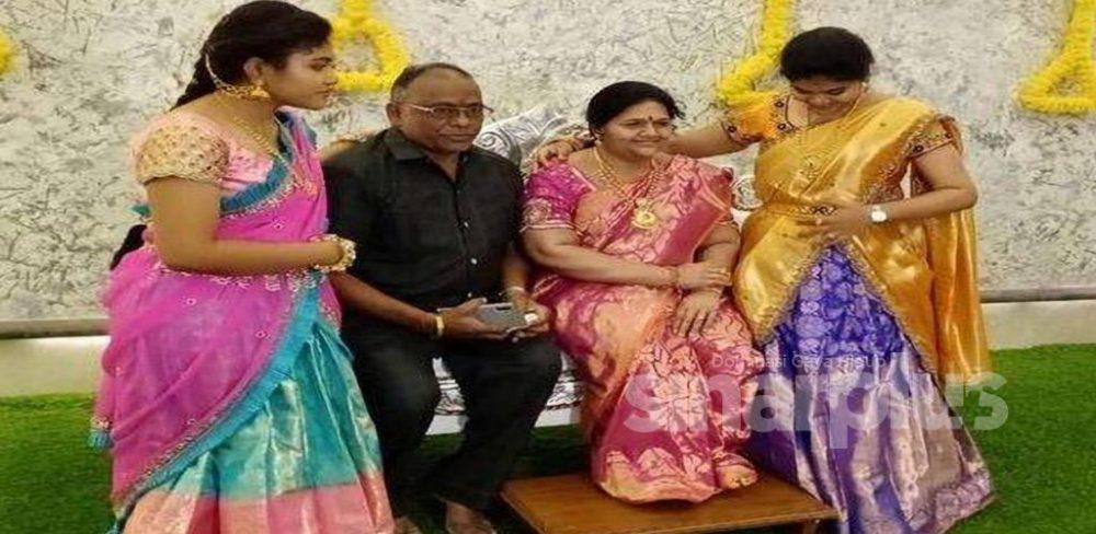 Suami tempah patung mendiang isteri untuk upacara masuk rumah baharu!