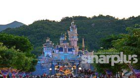 Disneyland Hong Kong kembali 'bungkus', mampu beroperasi sebulan sahaja…