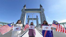 31 Ogos bukan sekadar cuti umum, tiga gadis kongsi pendapat hargai semangat kemerdekaan