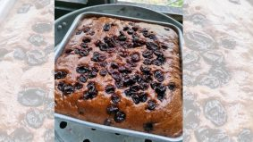 Senangnya bikin kek buah kukus…. 1st time buat pun jadi