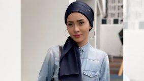 'Ya, tahu, belum sempurna,' – Elizad Sharifuddin tampil berhijab