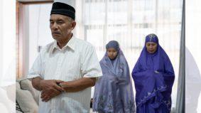 Isteri tak boleh iqamat walaupun solat jemaah berdua bersama suami di rumah