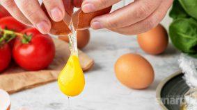 3 sebab telur mentah membahayakan kesihatan kita. Ini fakta yang kita perlu tahu